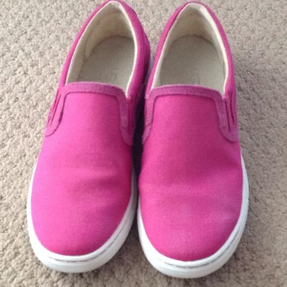 6113222675e Ugg Hot Pink Canvas Slip-On Flats SZ. 7